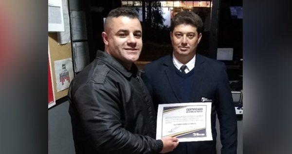 Honra ao Mérito: Controlador Alex Sandro